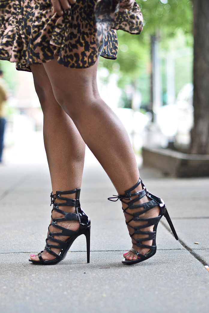 strappy sandals- comme coco