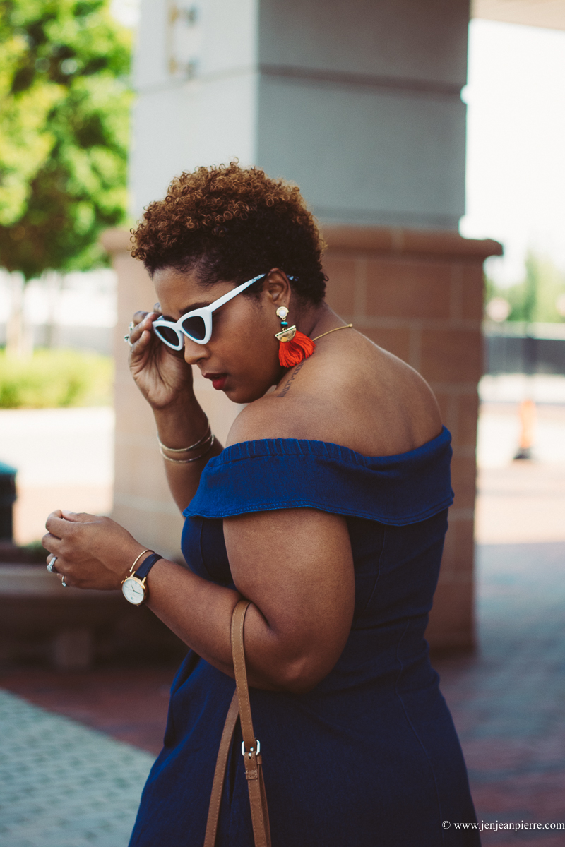 top curvy blogger wearing off shoulder denim dress speaking on instagram and bloggers