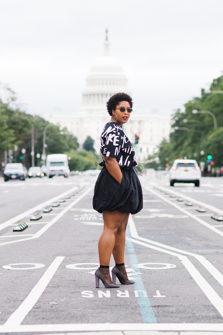 top washington dc blogger wearing nike colin kaepernick pittsburgh blogger curvy natural hair